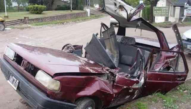 Compro todo tipo de carros chocados volcados,desarmanos